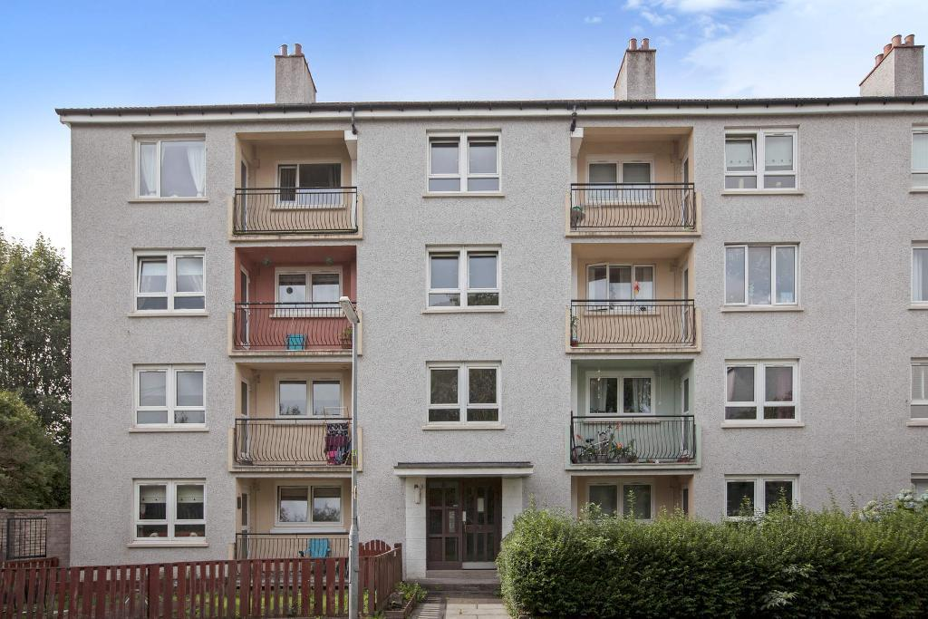 Lethamhill Place, Riddrie, Glasgow, Lanarkshire, G33 2SD