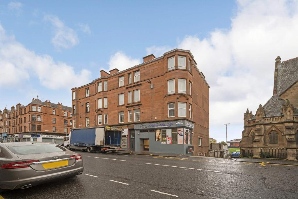 Cathcart Road, Glasgow, G42 9BD