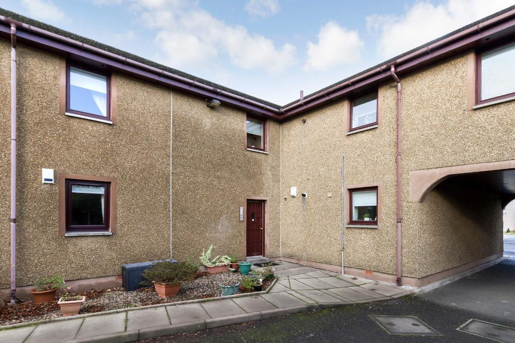 Main Street, Chryston, Glasgow, G69 9LD