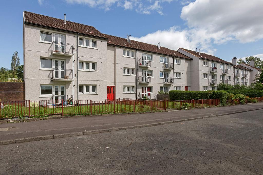 Langbar Crescent, Easterhouse, Glasgow, Lanarkshire, G33 4JN